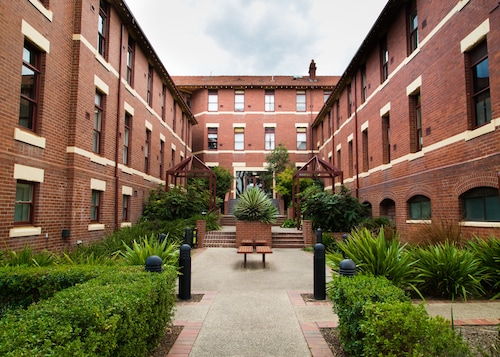 Yarra House Campus Summer Stays