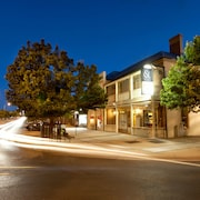 Cobb & Co Court Boutique Hotel
