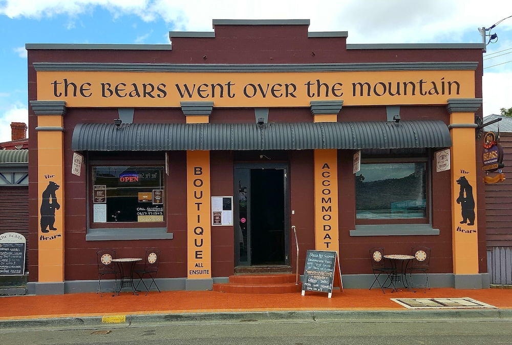 Meeting Facility, The Bears Went Over the Mountain