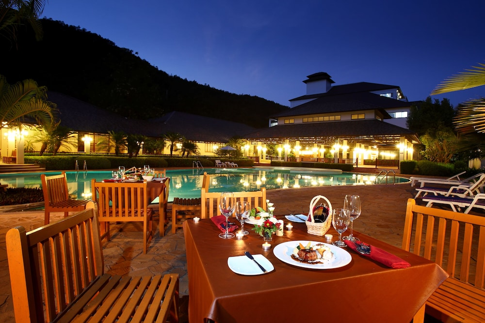 Outdoor Banquet Area, Alpine Golf Resort Chiang Mai