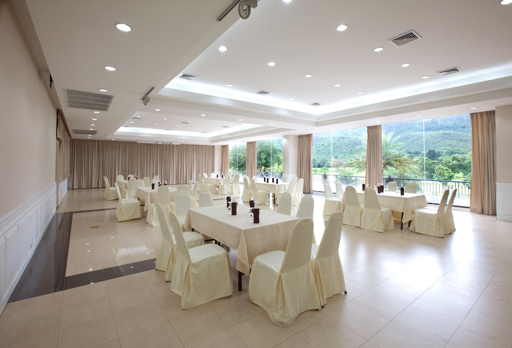 Meeting Facility, Alpine Golf Resort Chiang Mai