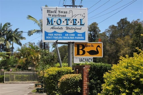 Black Swan Waterfront Motel - Not Suitable for Children