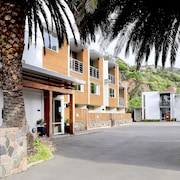 Sumner Bay Motel & Apartments