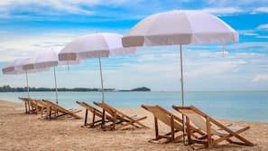Playa privada y bar en la playa