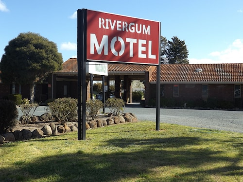 Rivergum Motel