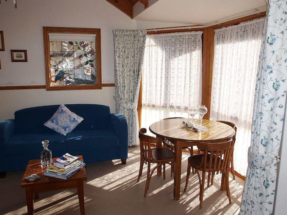 Cottages On Edward Deniliquin Australia Expedia