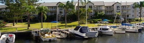 Bayview Bay Apartments & Marina