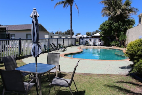 Pet Friendly Hotels In Lakes Entrance Golden Terrace Holiday Park