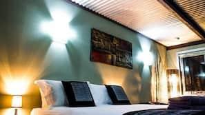 Minibar, iron/ironing board, free WiFi