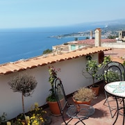 Taormina City Center Apartments