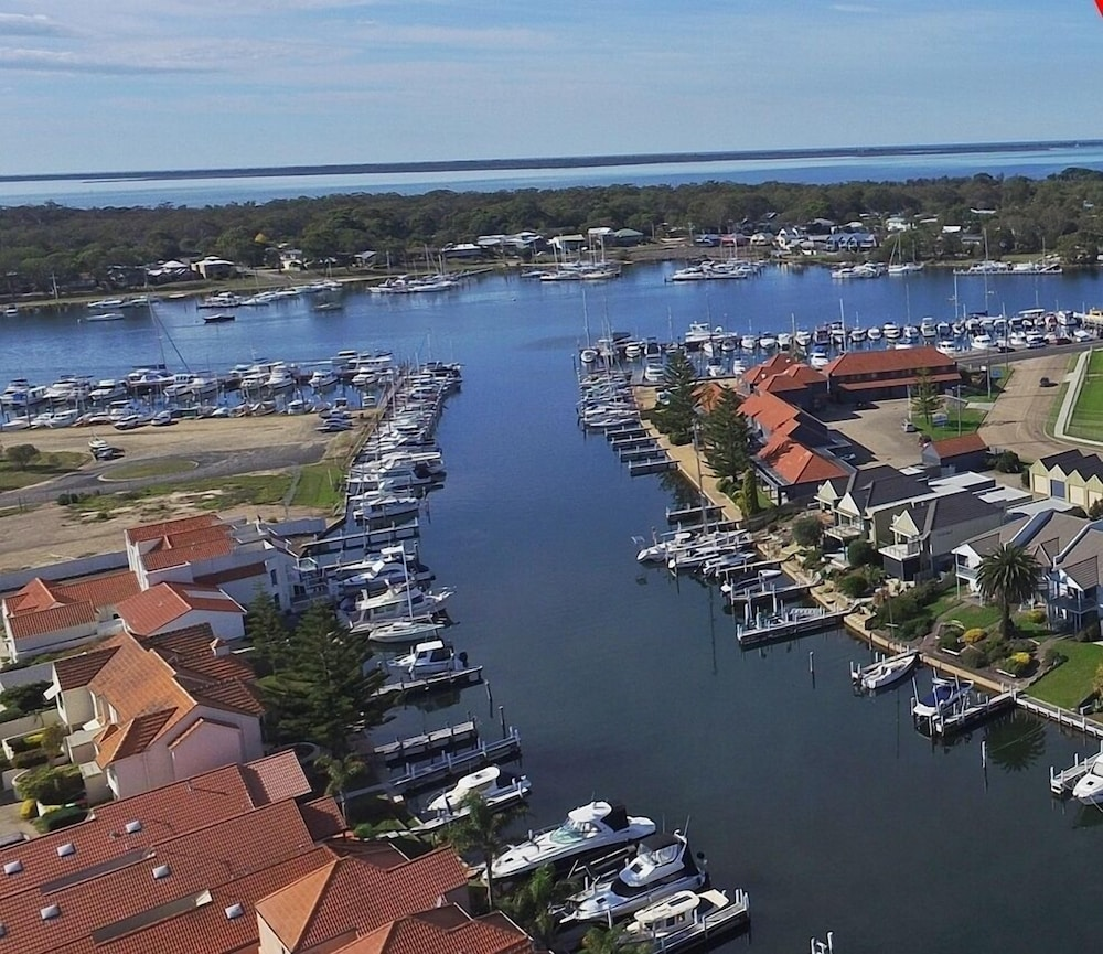 Mariners Cove Apartments: Mariners Cove At Paynesville Motel & Apartments Deals