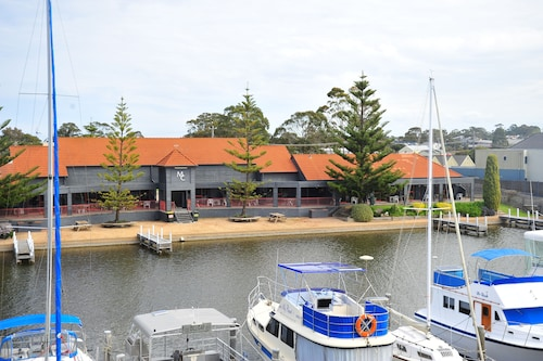 Mariners Cove at Paynesville Motel & Apartments