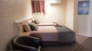 Pillowtop beds, iron/ironing board, free WiFi