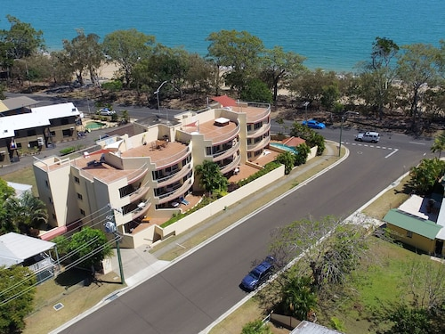 Alexander Beachfront Apartments (AUS 9624891 4.5) photo