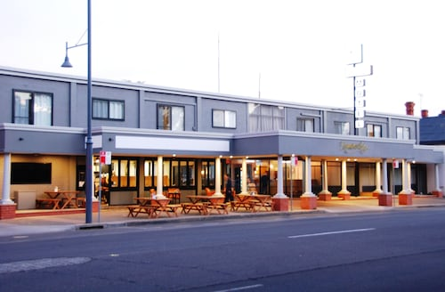 Commodore Motor Inn Albury