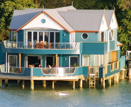 The Boathouse Opua