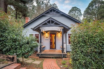 Gatehouse Cottage at Merrow Cottages - Mt Dandenong