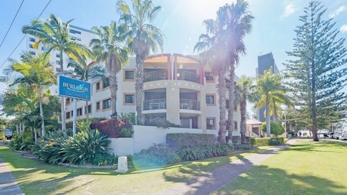 Burleigh on the Beach Holiday Apartments