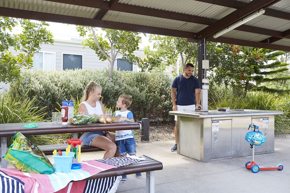 BBQ/Picnic Area, NRMA Stockton Beach Holiday Park
