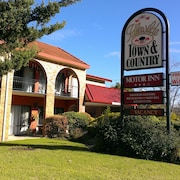 Idlewilde Town & Country Motor Inn