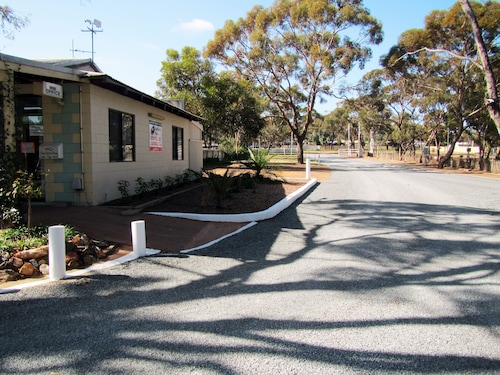 Acclaim Gateway Caravan Park