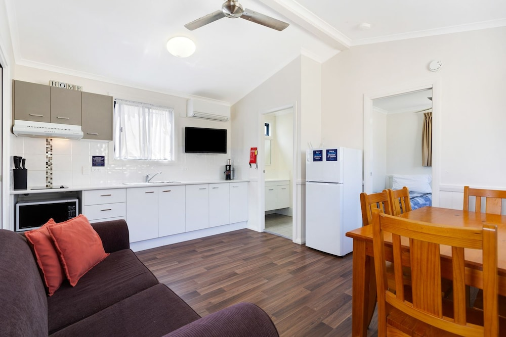 goulburn south caravan park goulburn australia best. Black Bedroom Furniture Sets. Home Design Ideas