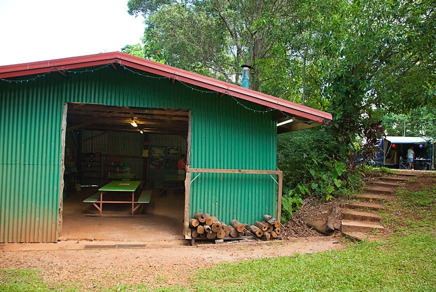 Lake eacham tourist park self contained cabins deals for Self contained cabin