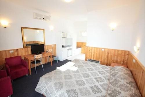 The Esplanade Motel In Lakes Entrance Hotel Rates Reviews On Orbitz
