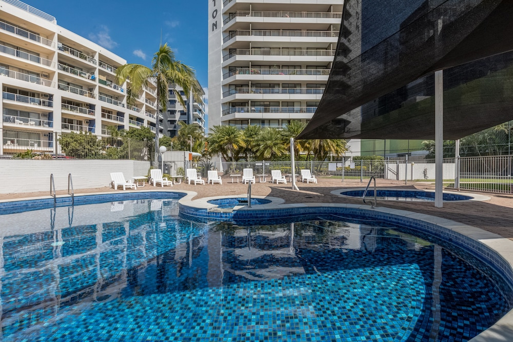 palmerston tower holiday apartments southport aus best price rh lastminute com au