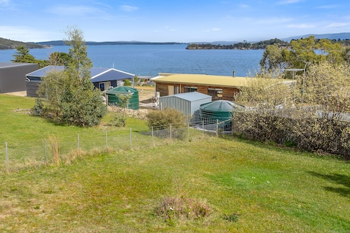 Omaroo Cottage Bruny Island