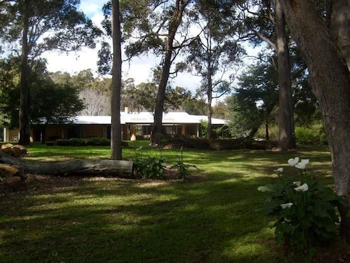 Marri Lodge & Cottages