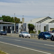 Golden Country Motel & Caravan Park