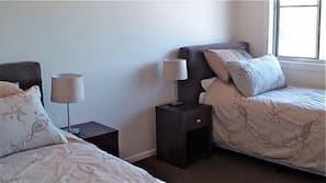 2 bedrooms, Egyptian cotton sheets, premium bedding, down duvets