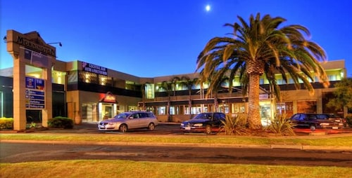 Mornington Hotel