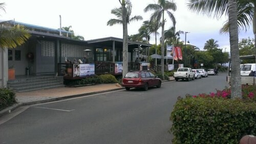 Bargara Beach Hotel Motel