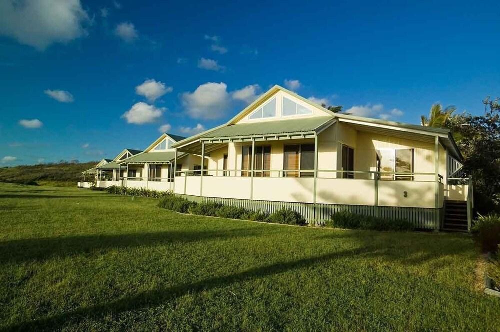 Fraser island beach houses reviews photos rates for Beach house designs fraser coast