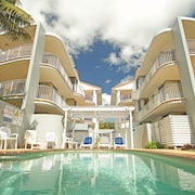 Surf Club Apartments
