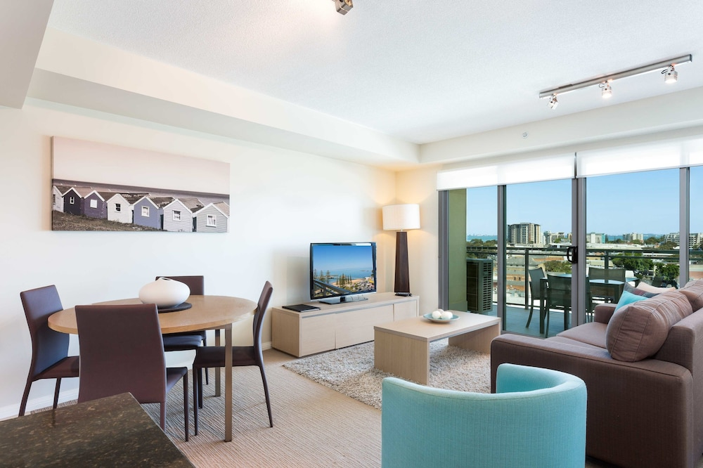 Living Area, Proximity Waterfront Apartments