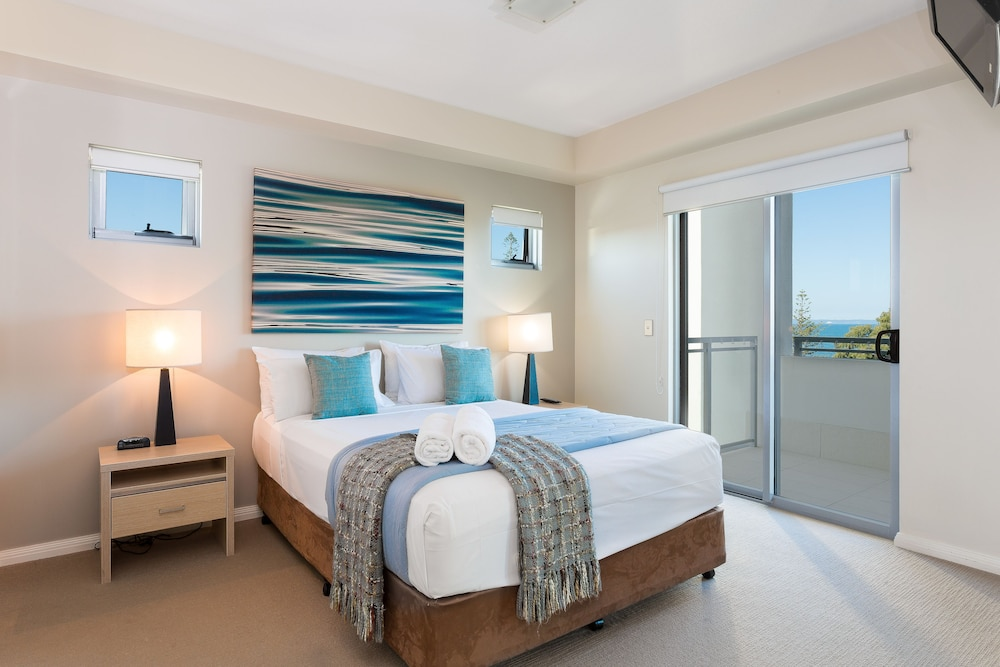 Room, Proximity Waterfront Apartments