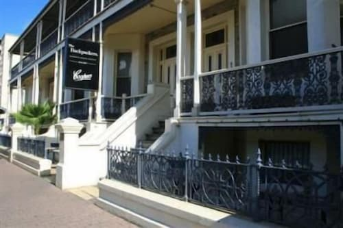 Glenelg Beach Hostel