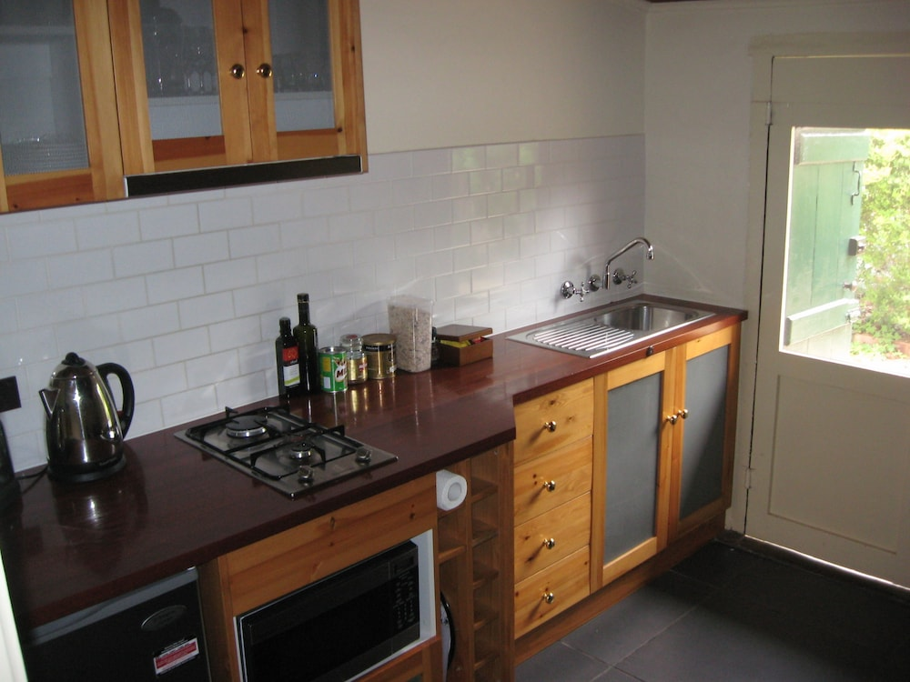 Private Kitchenette, Goat Square Cottages