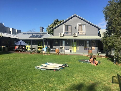 Dunsborough Beachouse YHA Hostel