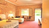 Gloucester Country Lodge - Gloucester Hotels