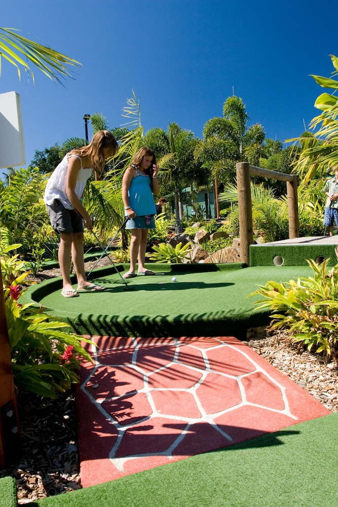Mini-Golf, BIG4 Adventure Whitsunday Resort