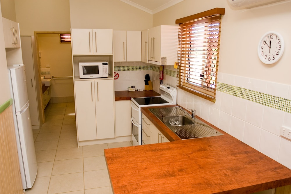 Private Kitchen, BIG4 Adventure Whitsunday Resort
