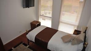 Premium bedding, iron/ironing board, free WiFi