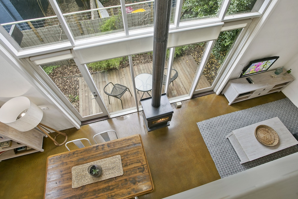 Terrace lofts apartments in ocean grove hotel rates for 123 the terrace ocean grove
