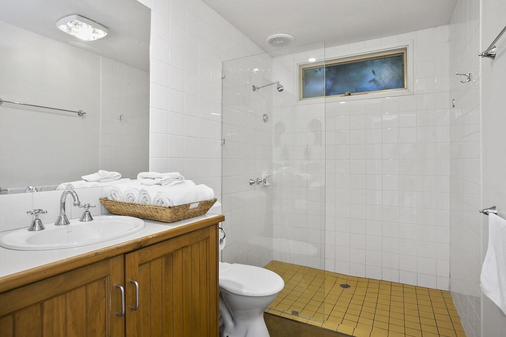 Terrace lofts apartments ocean grove australia expedia for 97 the terrace ocean grove