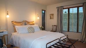 Egyptian cotton sheets, premium bedding, pillow top beds, desk