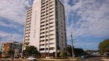 Elouera Tower Beachfront Apartments - Maroochydore Hotels